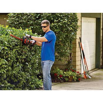 Factory Reconditioned Black & Decker LHT321R 20V MAX Cordless Lithium-Ion POWERCOMMAND 22 in. Hedge Trimmer image number 2