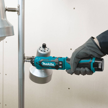 Makita DF012DSE 7.2V Lithium-Ion 1/4 in. Cordless Hex Drill Driver Kit with Auto-Stop Clutch (1.5 Ah) image number 6