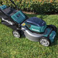 Makita XML06PT1 18V X2 (36V) LXT Lithium-Ion Brushless Cordless 18 in. Self-Propelled Commercial Lawn Mower Kit with 4 Batteries (5.0Ah) image number 12