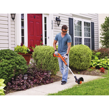 Factory Reconditioned Black & Decker LST201R 20V MAX 1.5 Ah Cordless Lithium-Ion 10 in. String Trimmer/Edger image number 3