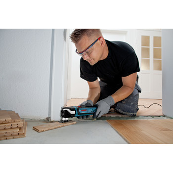 Bosch GOP40-30C StarlockPlus Oscillating Multi-Tool Kit with Snap-In Blade Attachment & 5 Blades image number 3