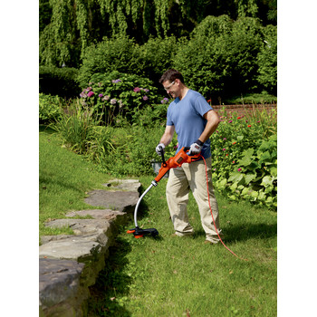 Factory Reconditioned Black & Decker GH3000R 7.5 Amp 14 in. Curved Shaft Electric String Trimmer / Edger image number 3