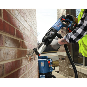Bosch GBH18V-26DK15 18V EC Brushless SDS-Plus Bulldog 1 in. Rotary Hammer Kit with CORE18V 4.0 Ah Compact Battery image number 4