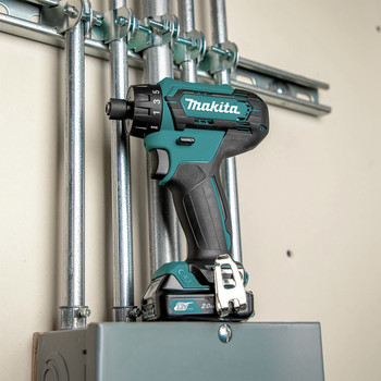 Makita FD10R1 12V max CXT Lithium-Ion Hex Brushless 1/4 in. Cordless Drill Driver Kit (2 Ah) image number 8