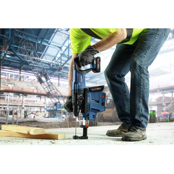 Bosch GBH18V-26DK15 18V EC Brushless SDS-Plus Bulldog 1 in. Rotary Hammer Kit with CORE18V 4.0 Ah Compact Battery image number 6