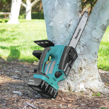 Makita XCU02PT1 18V X2 (36V) LXT Lithium-Ion Cordless 12 in. Chain Saw Kit with 4 Batteries (5.0Ah) image number 10