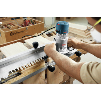Bosch 1617EVSPK 12 Amp 2.25 HP Combination Plunge and Fixed-Base Router Kit image number 6
