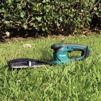 Factory Reconditioned Makita HU06Z-R 12V MAX CXT Lithium-Ion Cordless Hedge Trimmer (Tool Only) image number 8