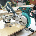 Makita LS1018 13 Amp 10 in. Dual Slide Compound Miter Saw image number 3