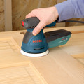 Bosch ROS20VSC 5 in. VS Palm Random Orbit Sander Kit with Canvas Carrying Bag image number 2