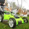 Greenworks 25302 40V G-MAX Li-Ion 20 in. 2-in-1 Twin Force Lawn Mower image number 2