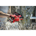 Milwaukee 2527-21 M12 FUEL HATCHET Brushless Lithium-Ion 6 in. Cordless Pruning Saw Kit (4 Ah) image number 17