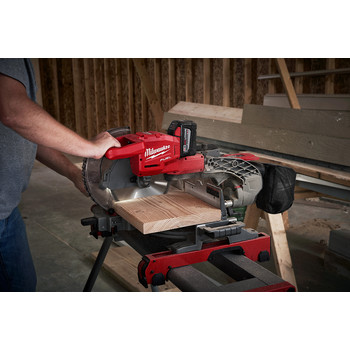 Milwaukee 2734-21HD M18 FUEL 9.0 Ah Cordless Lithium-Ion 10 in. Dual Bevel Sliding Compound Miter Saw image number 5