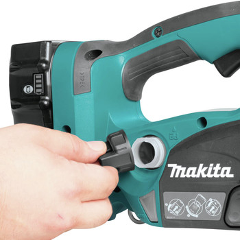 Makita XCU02PT1 18V X2 (36V) LXT Lithium-Ion Cordless 12 in. Chain Saw Kit with 4 Batteries (5.0Ah) image number 8