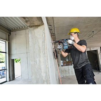 Factory Reconditioned Bosch GBH18V-26K24-RT 6.3 Ah Cordless Lithium-Ion Brushless 1 in. SDS-Plus Bulldog Rotary Hammer Kit image number 6