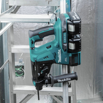 Makita XRH08PT 18V X2 LXT Lithium-Ion (36V) 5.0 Ah Brushless 1-1/8 in. AVT Rotary Hammer Kit image number 7