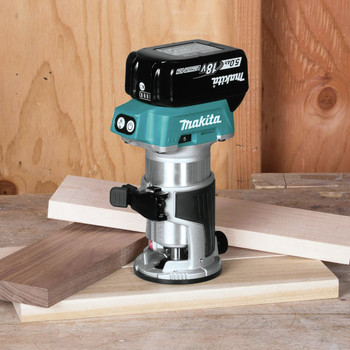 Makita XTR01T8J 18V LXT Lithium-Ion Brushless Cordless Compact Router Starter Kit (5.0Ah) image number 9