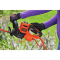 Black & Decker BEHTS300 20 in. SAWBLADE Electric Hedge Trimmer image number 9