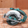 Makita XSS02Z 18V LXT Lithium-Ion 6-1/2 in. Circular Saw (Tool Only) image number 3