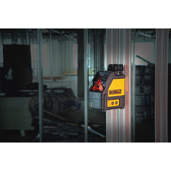 Dewalt DW088K Self-Leveling Horizontal/Vertical Cross Line Laser image number 1