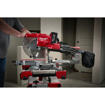 Milwaukee 2734-21HD M18 FUEL 9.0 Ah Cordless Lithium-Ion 10 in. Dual Bevel Sliding Compound Miter Saw image number 3