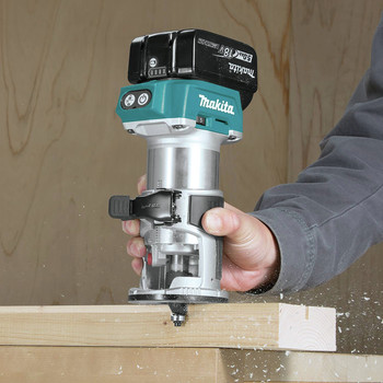 Makita XTR01T8J 18V LXT Lithium-Ion Brushless Cordless Compact Router Starter Kit (5.0Ah) image number 11