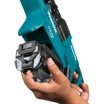 Makita HR2651 7 Amp 1 in. Pistol-Grip Rotary Hammer with HEPA Extractor image number 4