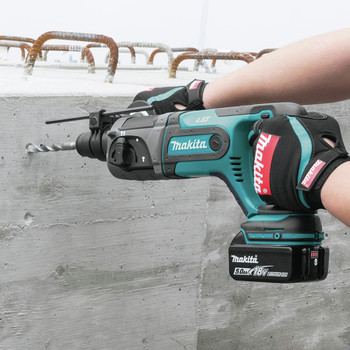 Makita XRH04T 18V LXT Cordless Lithium-Ion SDS-Plus 7/18 in. Rotary Hammer Kit image number 8