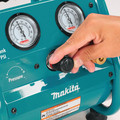 Factory Reconditioned Makita AC001-R 0.6 HP 1 Gallon Oil-Free Hand Carry Air Compressor image number 6