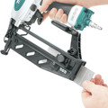 Makita AF601 16-Gauge 2-1/2 in. Pneumatic Straight Finish Nailer image number 12