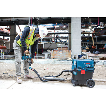 Factory Reconditioned Bosch GBH18V-26K24-RT 6.3 Ah Cordless Lithium-Ion Brushless 1 in. SDS-Plus Bulldog Rotary Hammer Kit image number 4