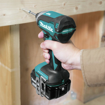 Makita XT337T 18V LXT Lithium-Ion 5.0 Ah Brushless 3-Piece Combo Kit image number 7