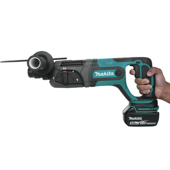 Makita XRH04T 18V LXT Cordless Lithium-Ion SDS-Plus 7/18 in. Rotary Hammer Kit image number 6
