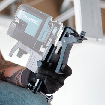 Makita SK106GDNAX 12V max CXT Lithium-Ion Cordless Self-Leveling Cross-Line/4-Point Green Beam Laser Kit (2 Ah) image number 4