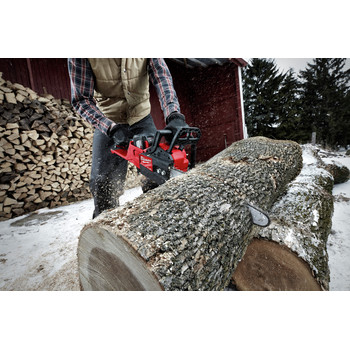 Milwaukee 2727-21HD M18 FUEL 16 in. Chainsaw Kit image number 7