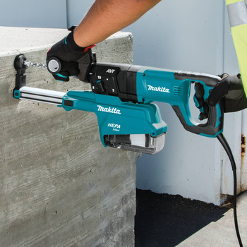 Makita HR2661 7 Amp 1 in. D-Handle Rotary Hammer with HEPA Extractor image number 6