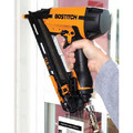 Bostitch DA1564K 15-Gauge 2-1/2 in. Oil-Free Angled Finish Nailer Kit image number 1