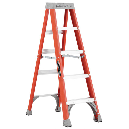Louisville FS1505 5 ft. Type IA Duty Rating 300 lbs. Load Capacity Fiberglass Step Ladder