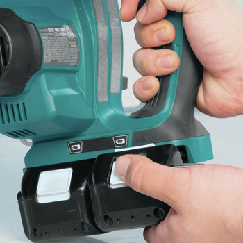 Makita XCU02PT1 18V X2 (36V) LXT Lithium-Ion Cordless 12 in. Chain Saw Kit with 4 Batteries (5.0Ah) image number 11