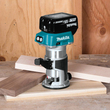 Makita XTR01T7 18V LXT 5.0 Ah Cordless Lithium-Ion Brushless Compact Router Kit image number 3