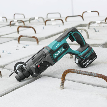Makita XRH04T 18V LXT Cordless Lithium-Ion SDS-Plus 7/18 in. Rotary Hammer Kit image number 9