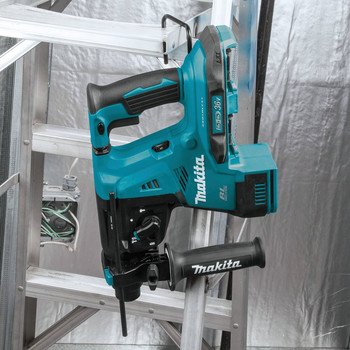 Makita XRH08Z 18V X2 LXT Lithium-Ion (36V) Brushless Cordless 1-1/8 in. AVT Rotary Hammer, accepts SDS-PLUS bits (Tool Only) image number 9