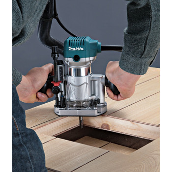Makita RT0701CX3 1-1/4 HP Compact Router Kit with Attachments image number 7