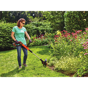 Factory Reconditioned Black & Decker LSTE523R 20V MAX Cordless Lithium-Ion EASYFEED 2-Speed 12 in. String Trimmer/Edger Kit image number 3