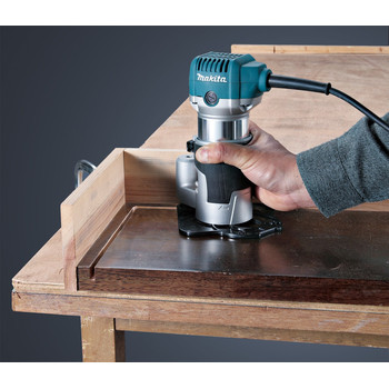 Makita RT0701CX3 1-1/4 HP Compact Router Kit with Attachments image number 6