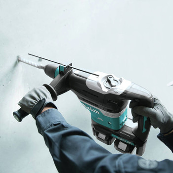 Makita XRH07PTU 18V X2 LXT Brushless 1-9/16 in. Advanced AVT Rotary Hammer with AWS image number 11