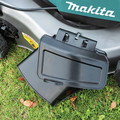 Makita XML06PT1 18V X2 (36V) LXT Lithium-Ion Brushless Cordless 18 in. Self-Propelled Commercial Lawn Mower Kit with 4 Batteries (5.0Ah) image number 16
