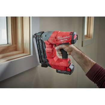 Factory Reconditioned Milwaukee 2740-81CT M18 FUEL Cordless Lithium-Ion 18-Gauge Brushless Brad Nailer Kit image number 3
