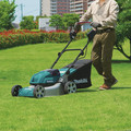 Makita XML03PT1 18V X2 (36V) LXT Lithium-Ion Brushless 18 in. Lawn Mower Kit with 4 Batteries (5.0Ah) image number 16