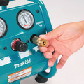 Factory Reconditioned Makita AC001-R 0.6 HP 1 Gallon Oil-Free Hand Carry Air Compressor image number 1